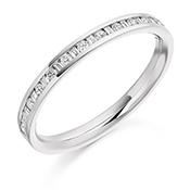 18ct Gold Brilliant Cut & Baguette Cut Diamond Channel Set Eternity Ring Diamond Weight 0.30ct