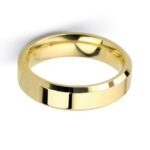 Gents heavy weight yellow gold bevelled edge wedding band