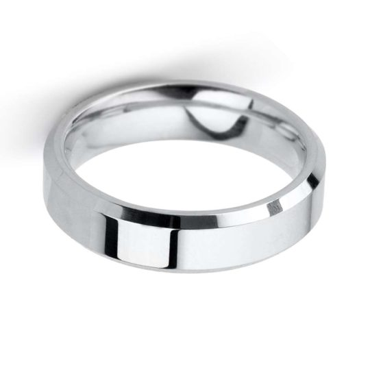 Gents 9ct White Gold 5mm Bevelled Edge Wedding Ring